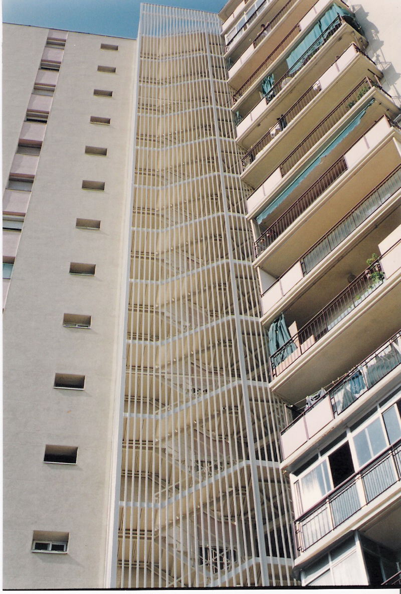 ESCALERA CONTRA INCENDIOS Granollers