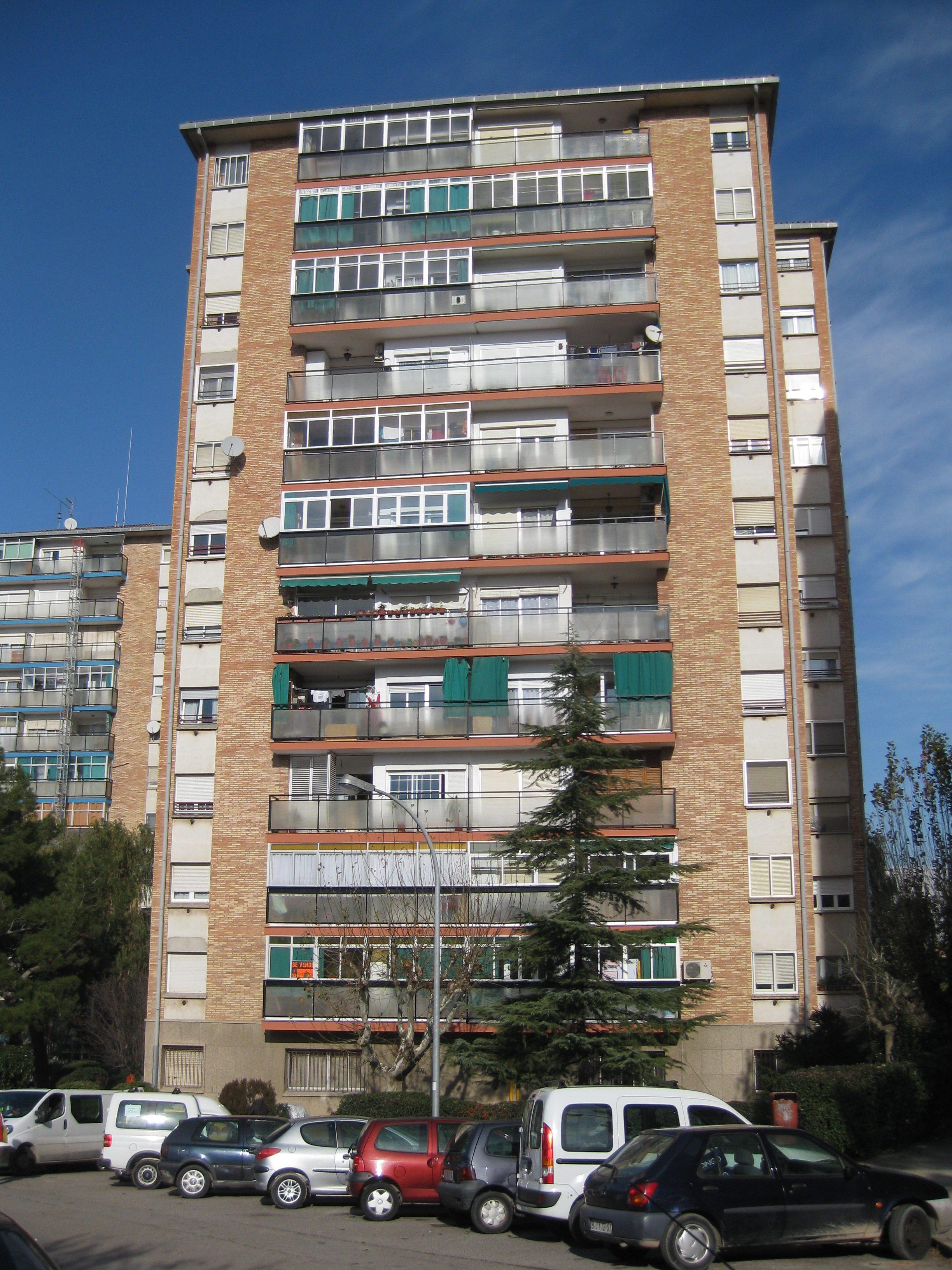 BARRI LA FONT DELS CAPELLANS , Blocs Varis – Manresa